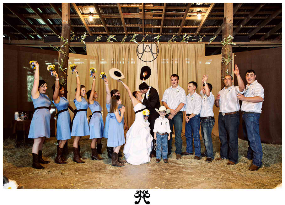Instead of dressing the wedding party up like bad country table linens